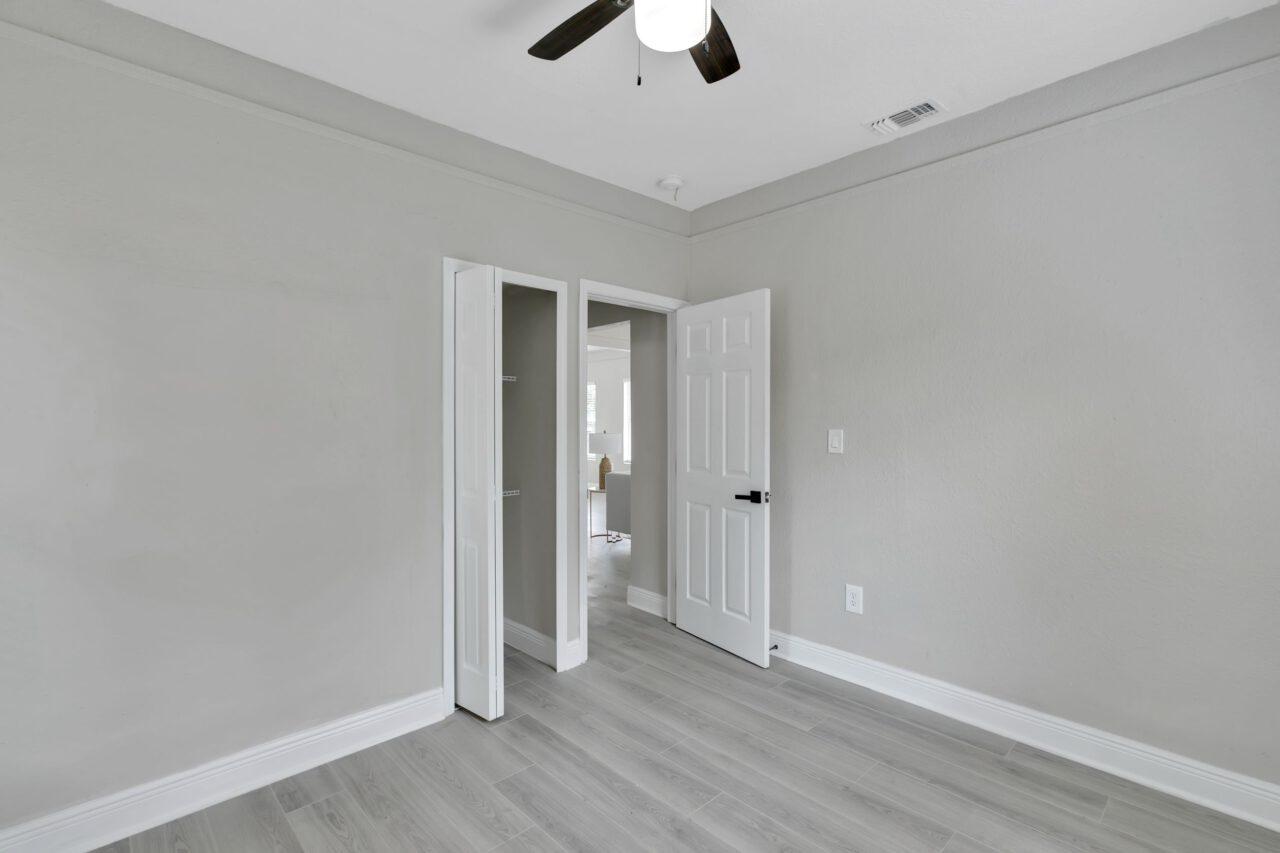 114 W Sligh Ave, Tampa 022